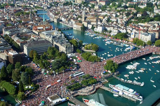 Стрийт парада. - снимки от въздуха