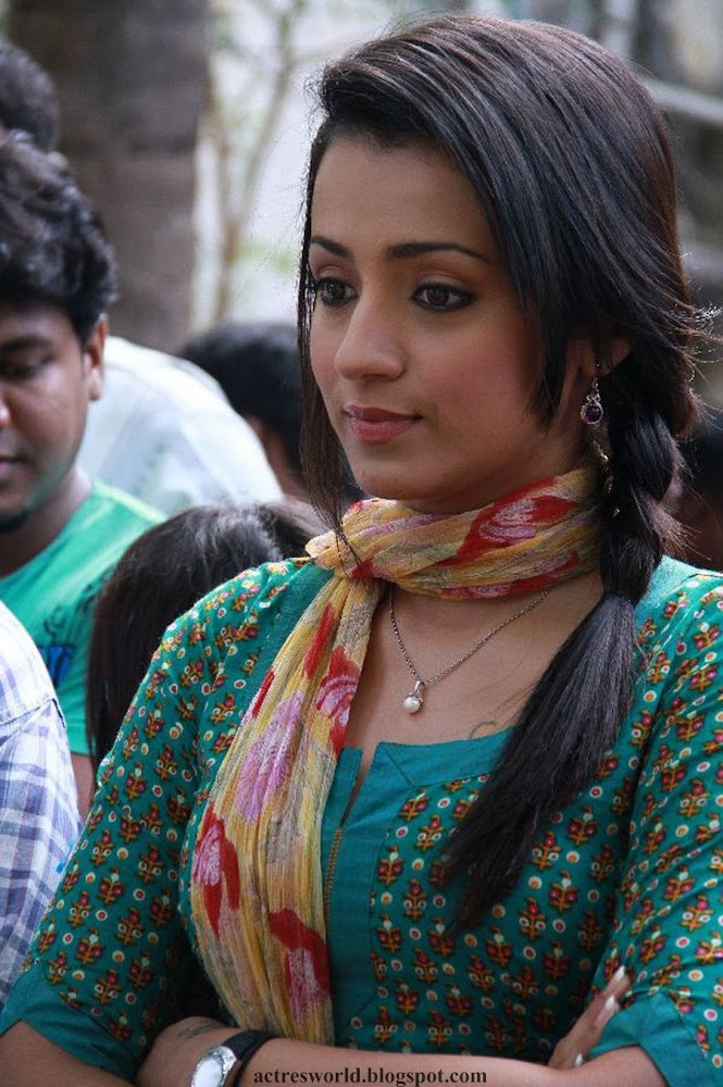 Actress Trisha Krishnan Cute And Hot Images In Green Dress3
