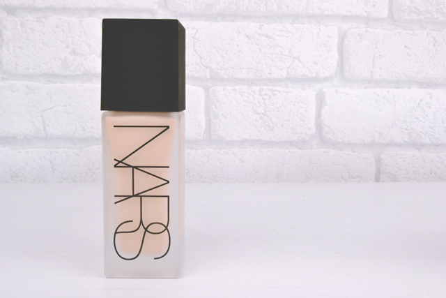 NARS Weightless Luminous in Mont Blanc