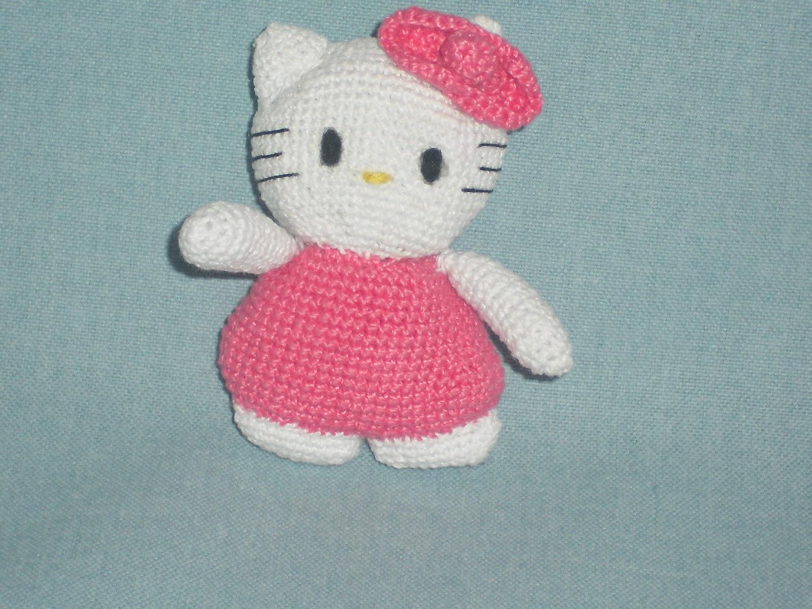 Free Crochet Pattern Heart Shaped Baby Doll : Amigurumis en espanol: Mi Hello Kitty amigurumi.