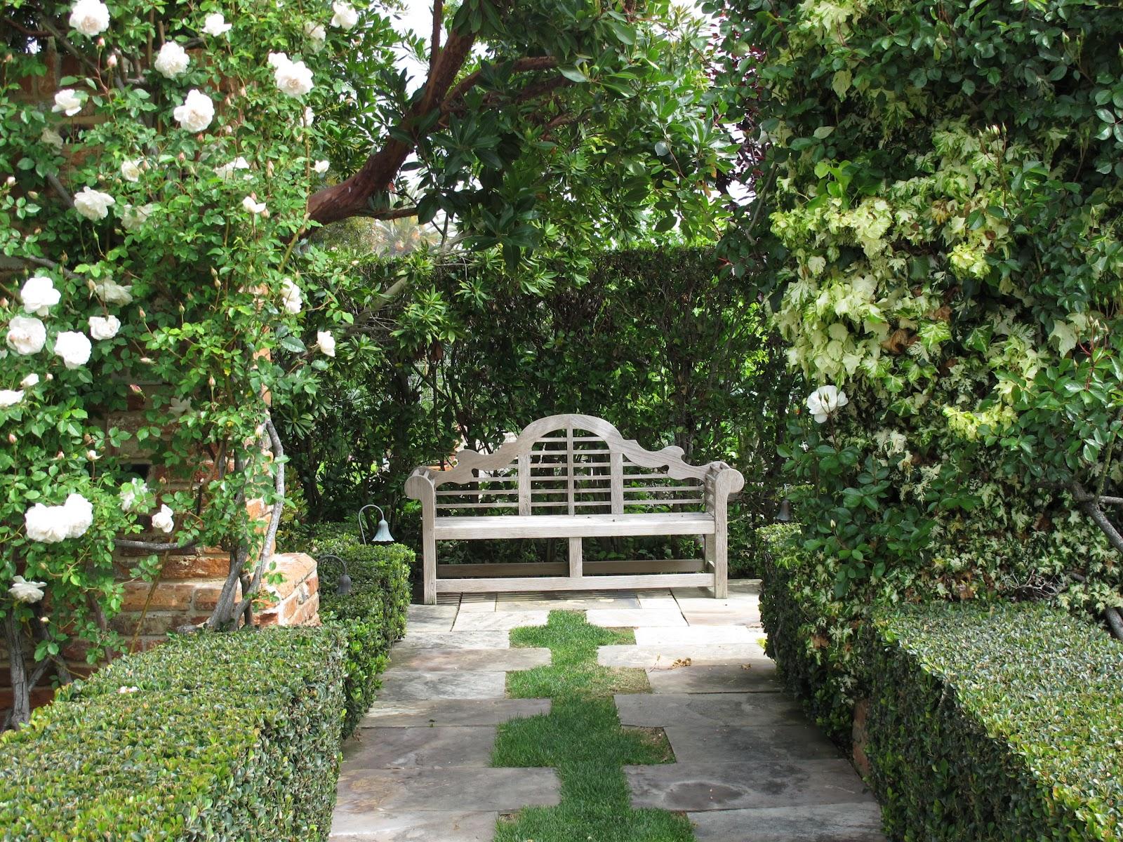 ciao domenica english garden moments. Black Bedroom Furniture Sets. Home Design Ideas