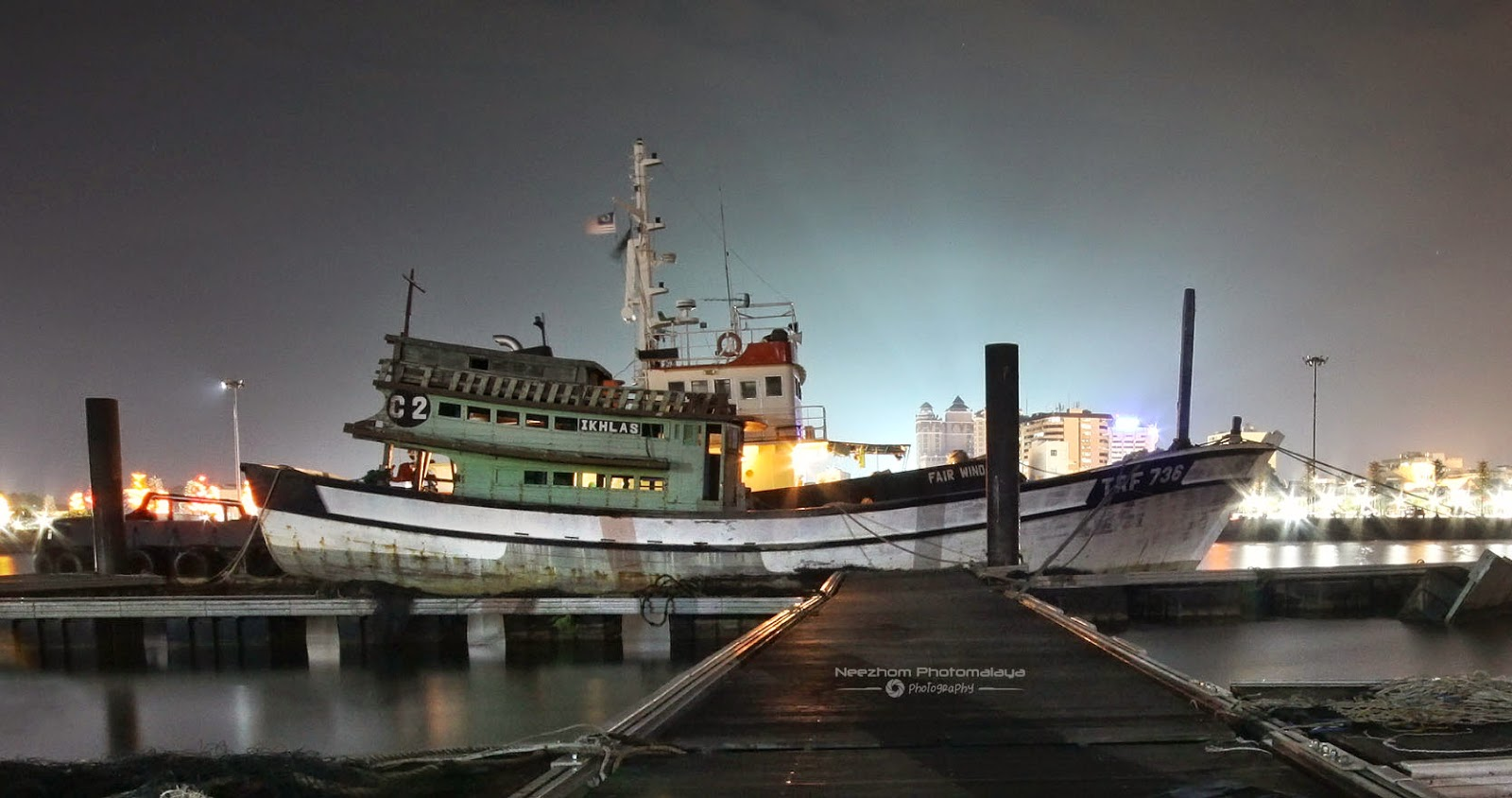 Jeti di Pulau Duyong waktu malam