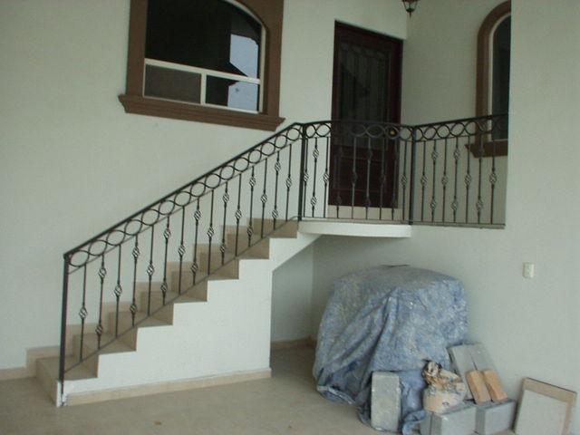 Maquinados y paileria mapaza escaleras exteriores e for Barandales de madera para jardin
