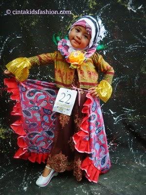 The Winner Thofala Award Fashion Show Muslim Batik