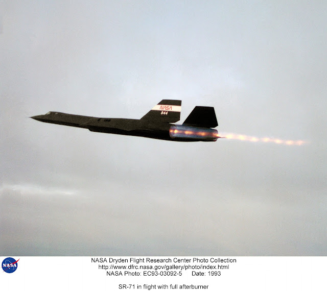 SR-71 Full afterburner takeoff.