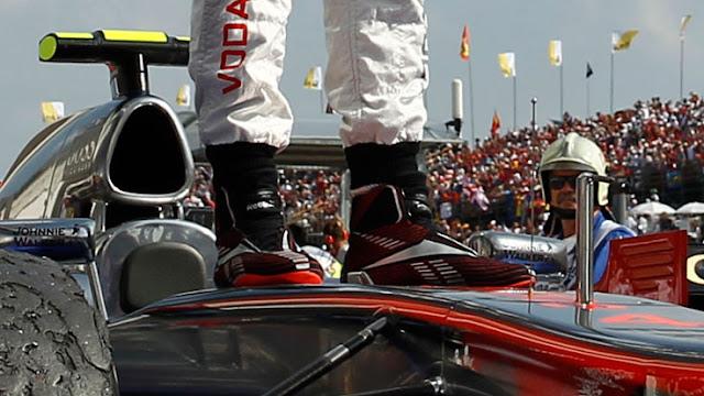 Win-F1-LEWIS-HAMILTON -BOOTS-Mclaren-Mercedes-F1