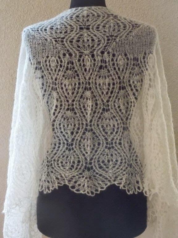 TE KOOP: roomwitte bruidssjaal
