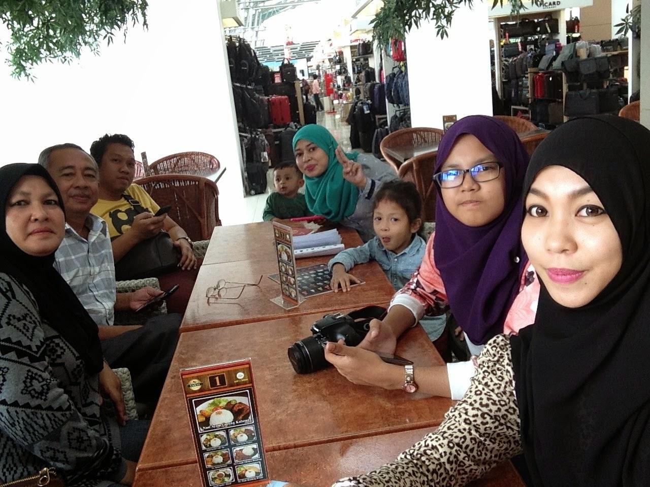 Jakarta, Bandung