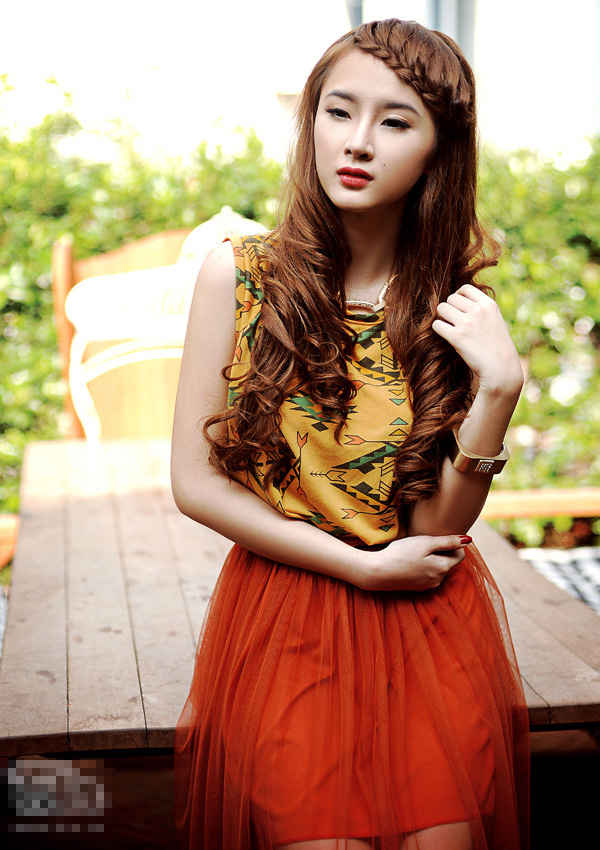 Angela phuong trinh beautiful with age 18 cute girl viet nam photo