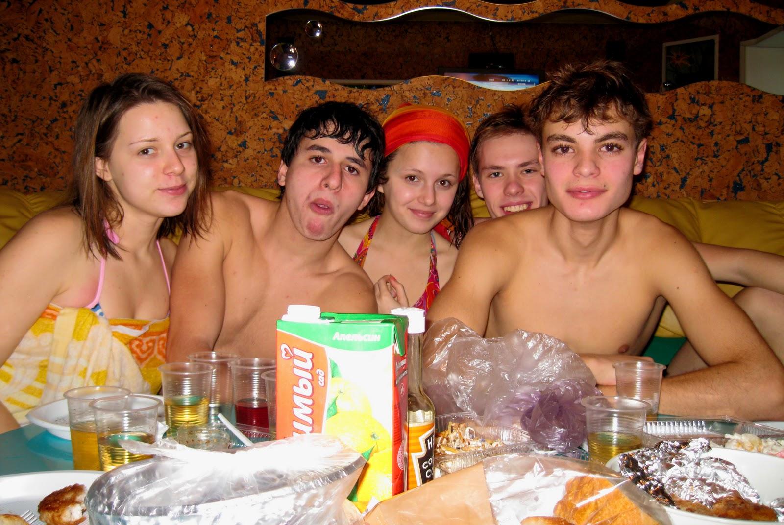 Русские студенты ебутся в бане, Студенты в сауне -видео. Смотреть Студенты 2 фотография