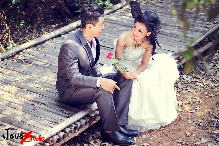 foto prewedding unik outdoor