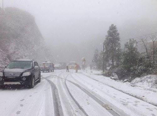 Tuyết rơi dày đặc ở Sapa