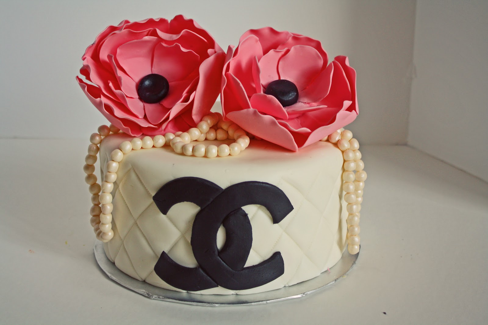Sab Cakes Chanel Pearls And Flowers Birthday Cake