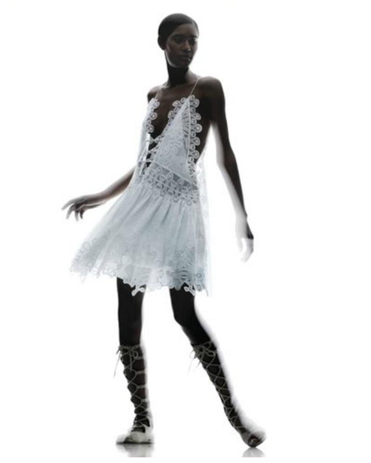 Chloé spring su,,er 2015, delicate lace dress