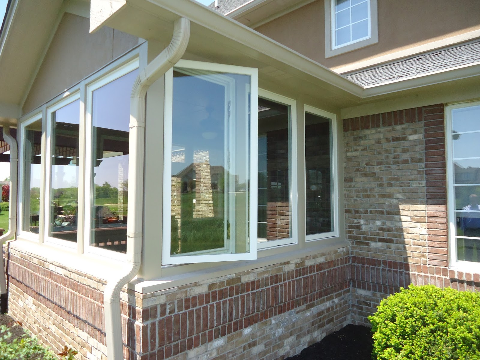 Dallas beewindow porch conversion casement windows for Patio windows