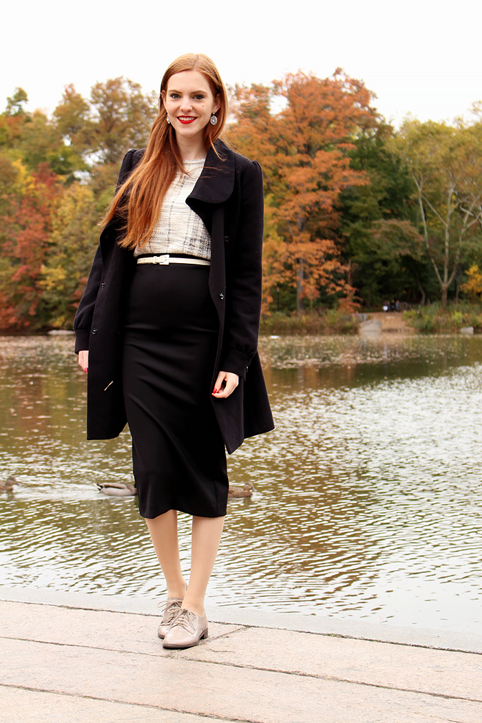 Vintage retro style fashion blogger outfit in Central Park NYC
