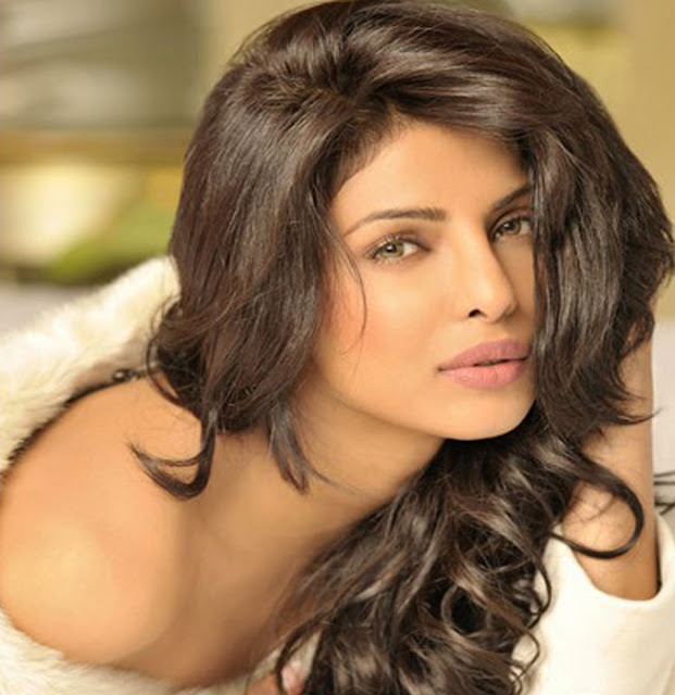 Priyanka Chopra HD Wallpaper