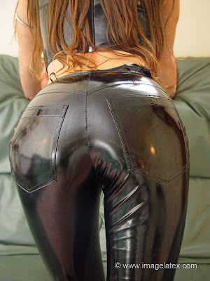 Perfect Shiny Ass in Black Latex Jeans