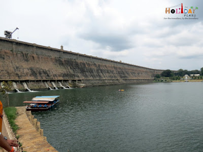 Boating in krishna raja sagar dam lake