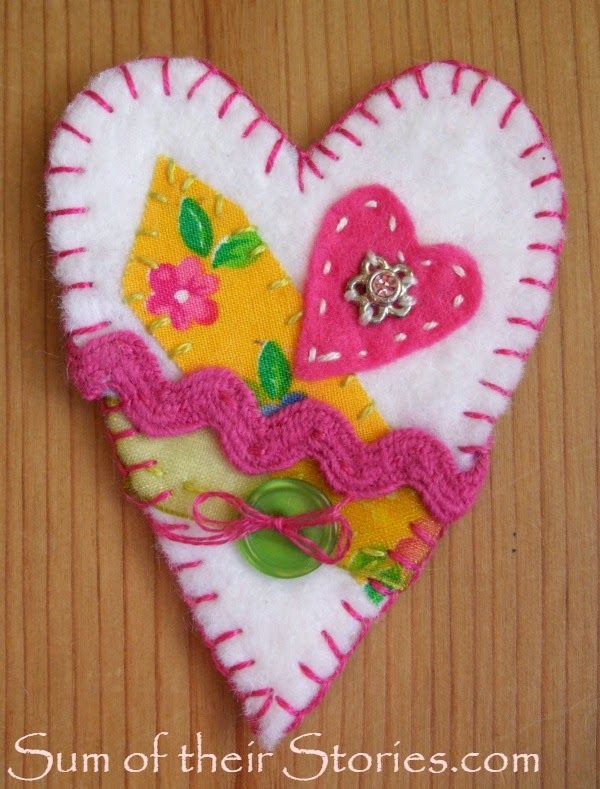 felt heart brooch tutorial