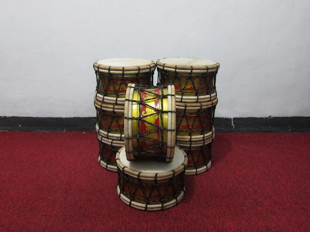 Foto alat musik kepak marawis batik