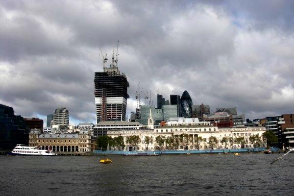 Queen's Walk London