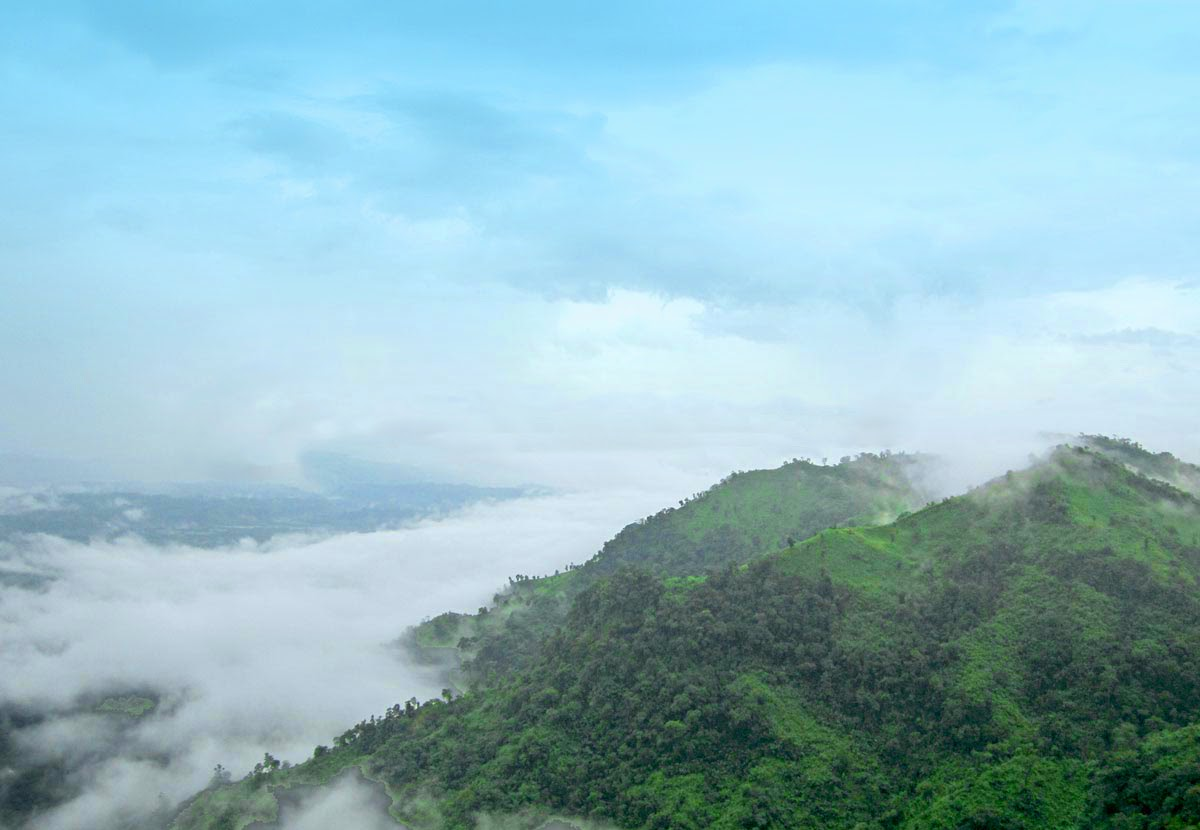 tour to bandarban The beauty of the natural beauty of the green hue and the clouds which can be touched by the mountainous hillress of by joynalabedin.
