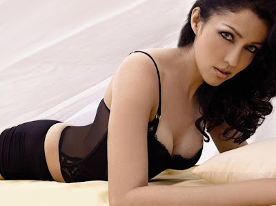 Unseen Hot Poonam Pandey HQ photo wallpapers 2012