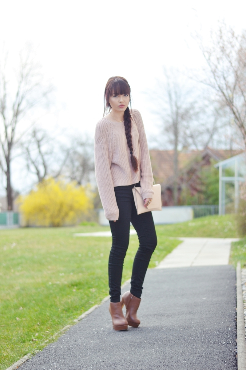 Outfit_kurzer_Pullover_highwaisted_Hose