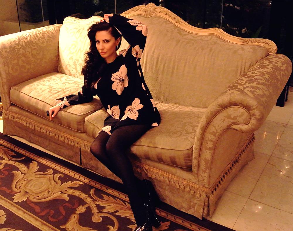 Lana Del Rey Makeup, Lana Del Rey Hair, Mod Fashion, Mod Style, Old Hollywood Style, Spring 2013 Fashion, Spring 2013 Makeup, Idalyze Nasiha Rose, Luxe Life Society, Vintage Hair, 60s Makeup, 60s Fashion, 60s Style, Black Tunic, Black Shift Dress, Vintage Clothing