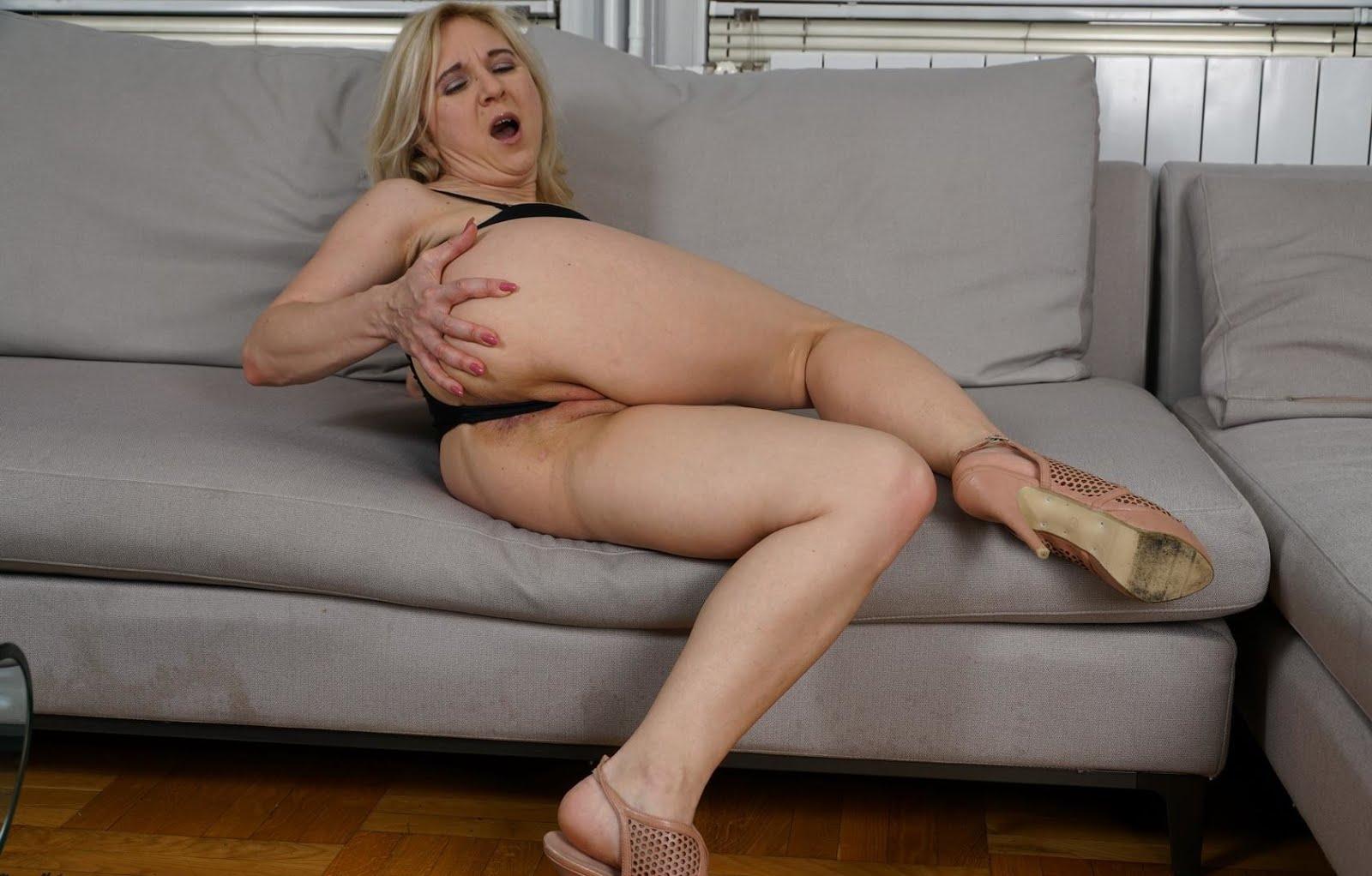 50yo blonde milf mmmm did i say i like squirters 8