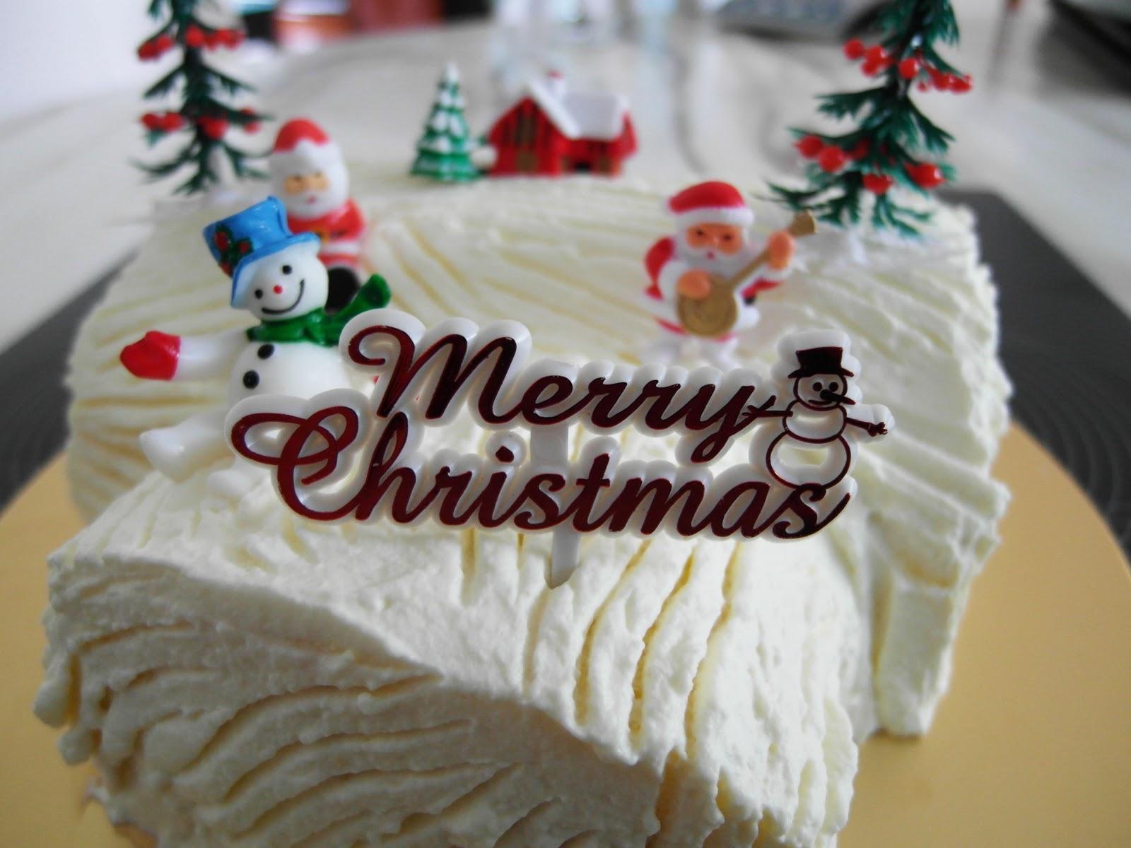 Decorating Ideas > Baking Library Merry Xmas 2011 And A Mango Mousse Log Cake ~ 115459_Log Cake Decoration Ideas