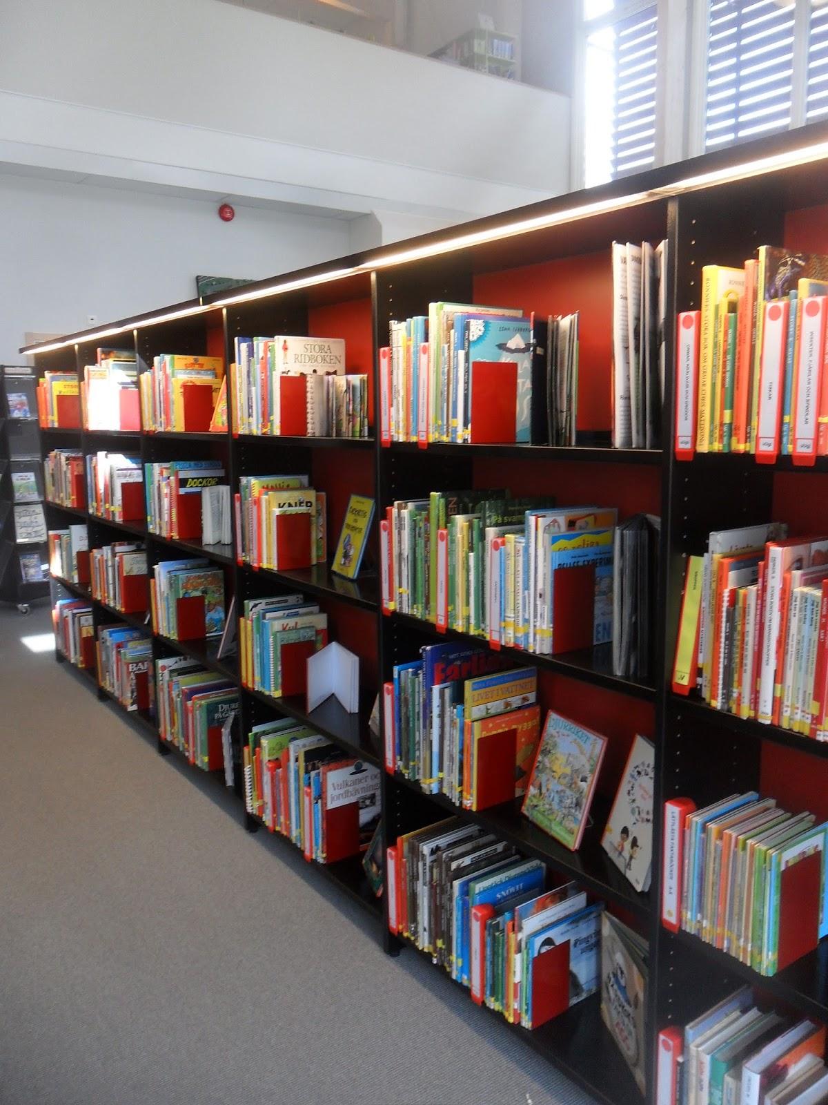 Tibbes Fotoblogg Bokhylla i bibliotek