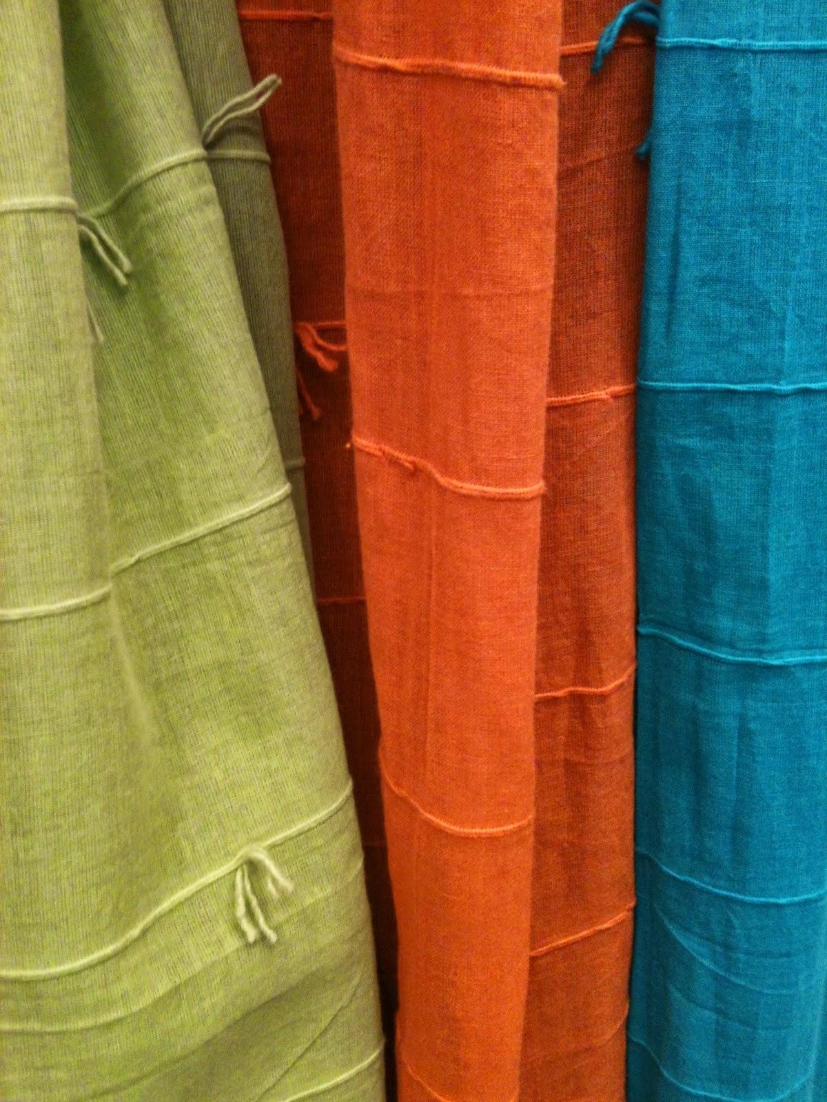 Esse algodão indiano colorido faz a diferença na decoração. E com  #064D60 1200 1600