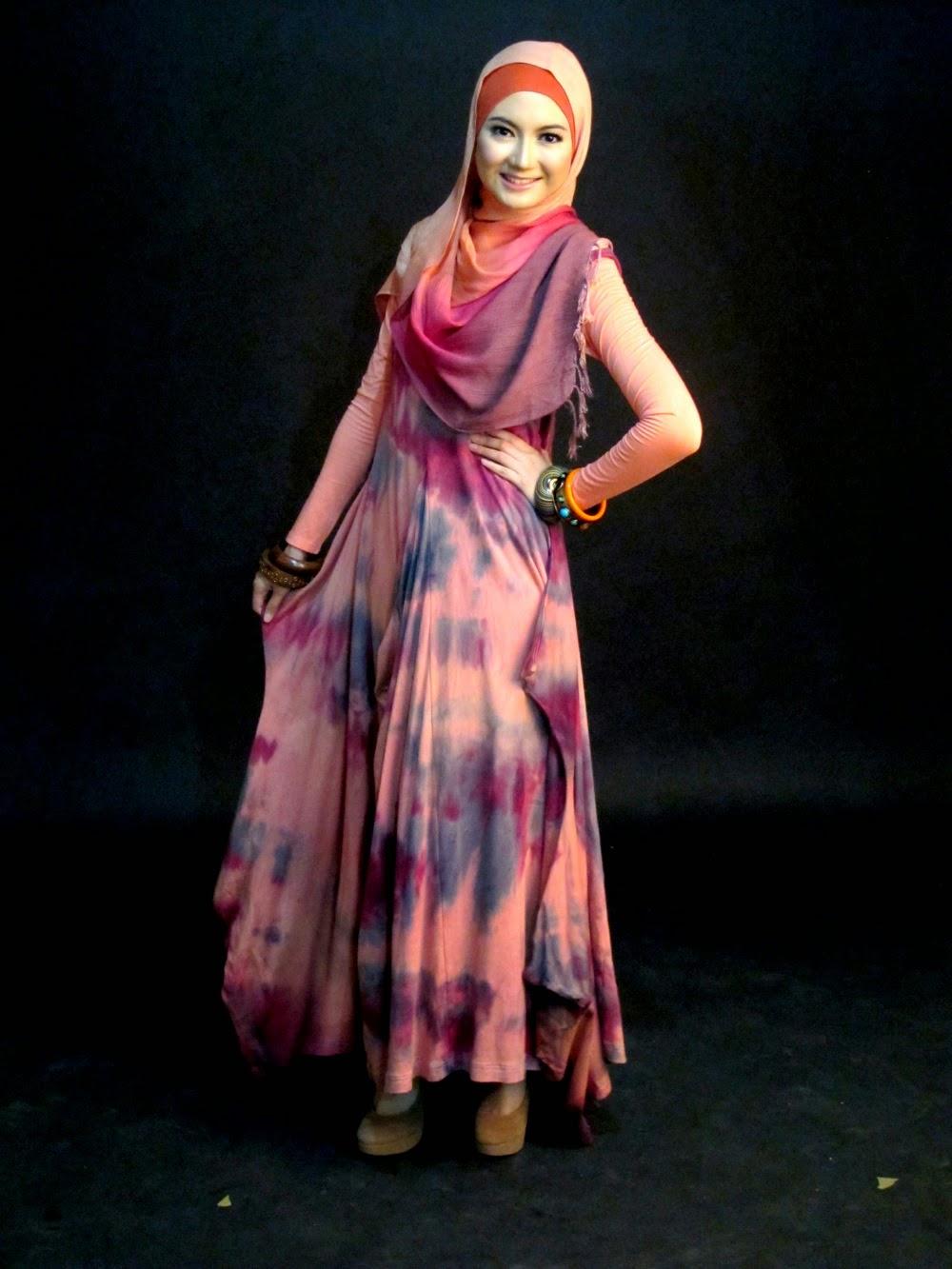 model baju pesta artis berjilbab dian pelangi