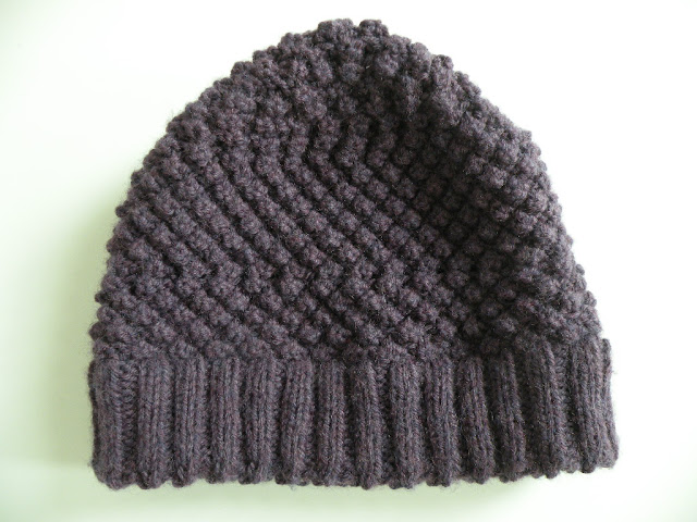 Trinity Stitch Knit Hat Pattern : Just Skirts and Dresses: Trinity/Blackberry stitch hat finished!