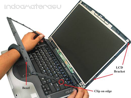 Cara Melepas LCD Laptop