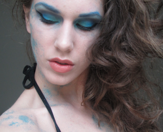 Bloggin: October 2011 - Blue Halloween Makeup