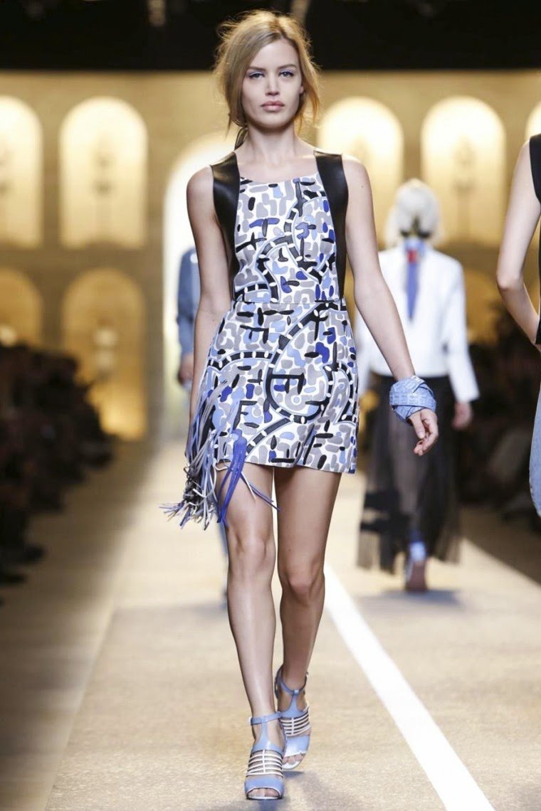 Fendi spring summer 2015, Fendi ss15, Fendi, Fendi ss15 mfw, Fendi mfw, mfw, mfwss15, mfw2014, karl lagerfeld, fashion week, milan fashion week, milano fashion week, du dessin aux podiums, dudessinauxpodiums, vintage look, dress to impress, dress for less, boho, unique vintage, alloy clothing, venus clothing, la moda, spring trends, tendance, tendance de mode, blog de mode, fashion blog,  blog mode, mode paris, paris mode, fashion news, designer, fashion designer, moda in pelle, ross dress for less, fashion magazines, fashion blogs, mode a toi, revista de moda, vintage, vintage definition, vintage retro, top fashion, suits online, blog de moda, blog moda, ropa, asos dresses, blogs de moda, dresses, tunique femme,  vetements femmes, fashion tops, womens fashions, vetement tendance, fashion dresses, ladies clothes, robes de soiree, robe bustier, robe sexy, sexy dress