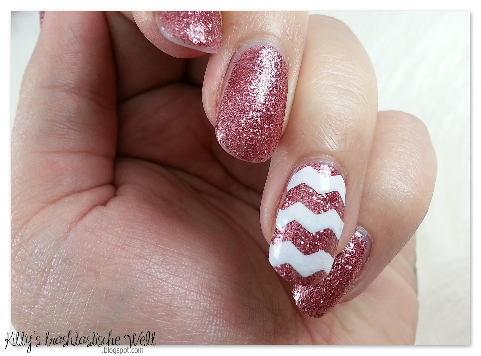 Kitty\'s trashtastische Welt*: Nagelneu | DIY Nail Art Sticker ...