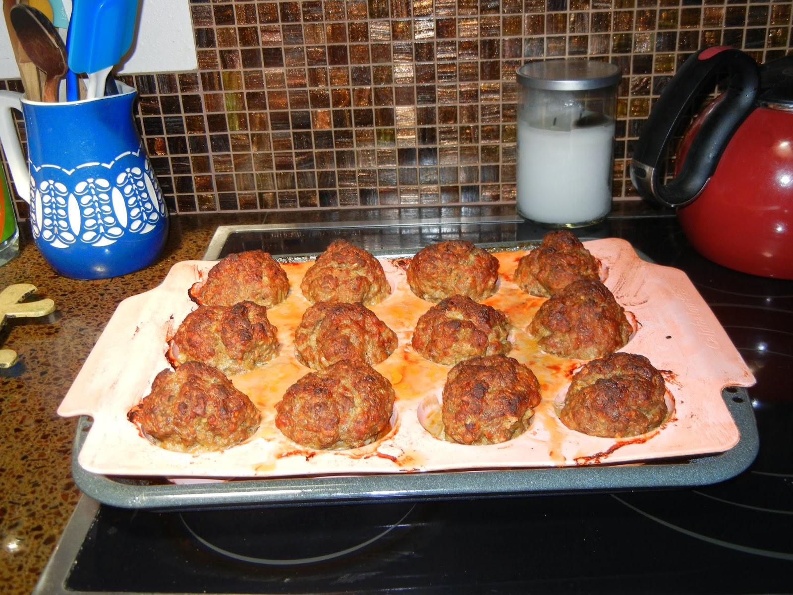 MY NOTE:I was using the muffin's pan for my meatloaf mixture, it is a ...