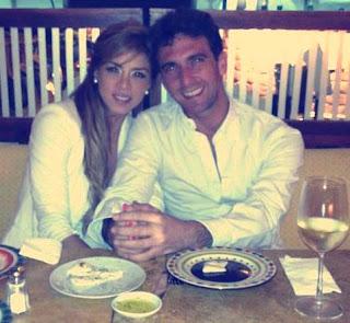 Antonio Pavón cenando con Sheyla Rojas