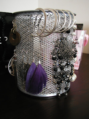 How to Organize Your Earrings