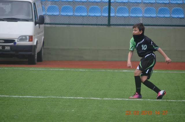 Gaziosmanpaşa ülkü ılk öğretim okulu futbol takımıyla