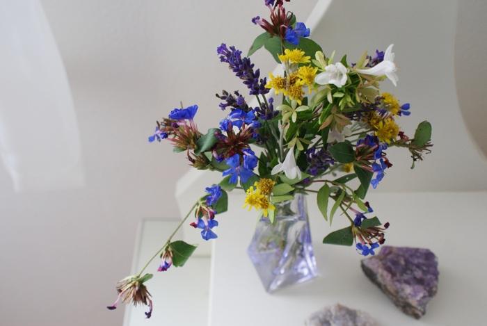 perfume vase flowers diy fiori