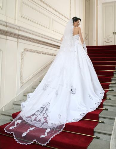 robes de mariage robes de soir e et d coration robe de. Black Bedroom Furniture Sets. Home Design Ideas