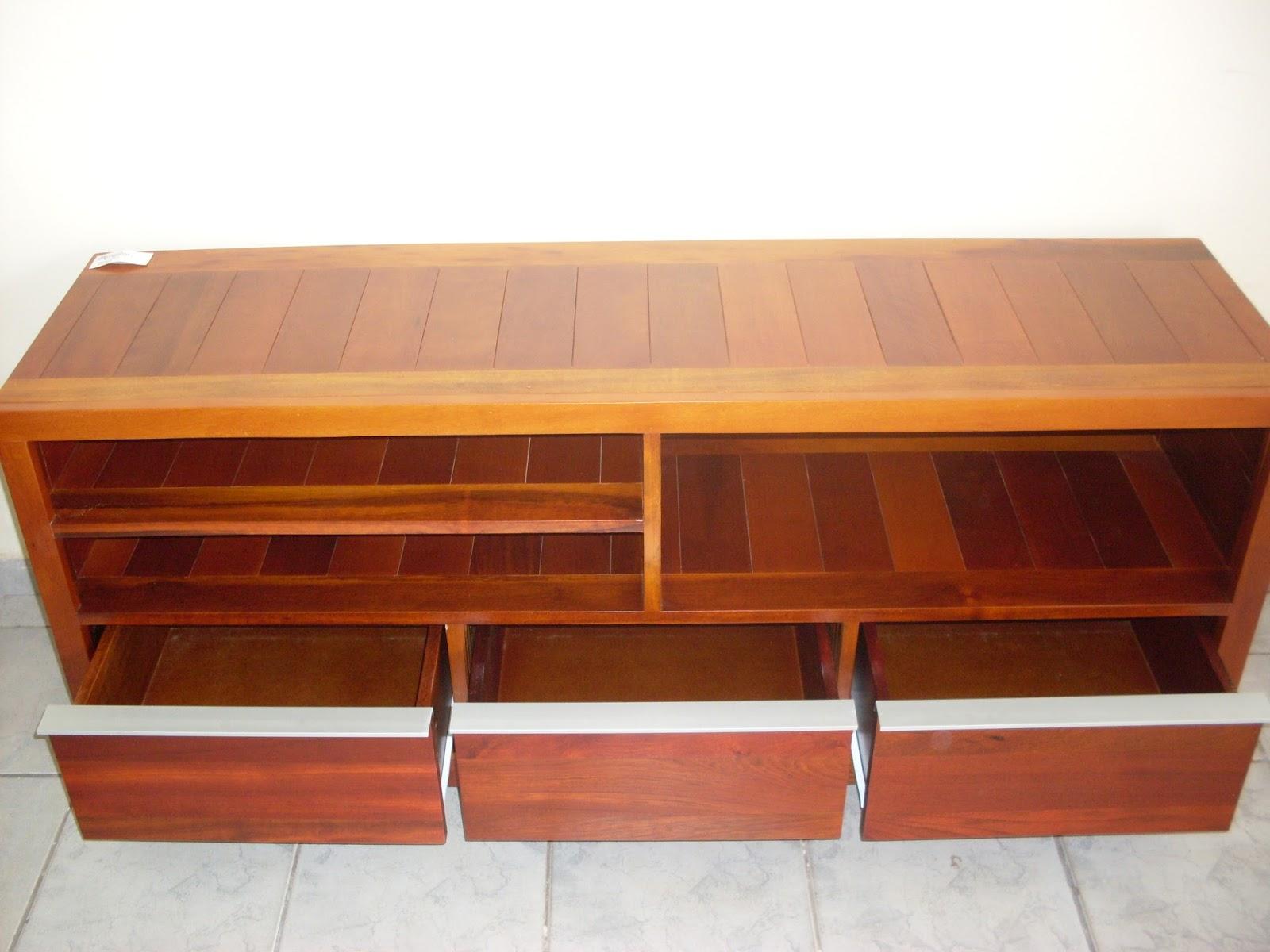 em madeira e MDF: Móveis planejados com resíduos de madeira #C1730A 1600x1200
