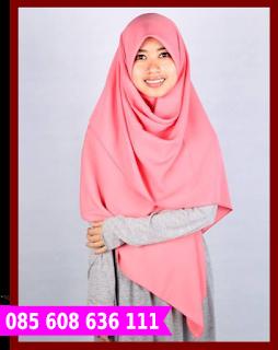 Hijab segi empat elegan