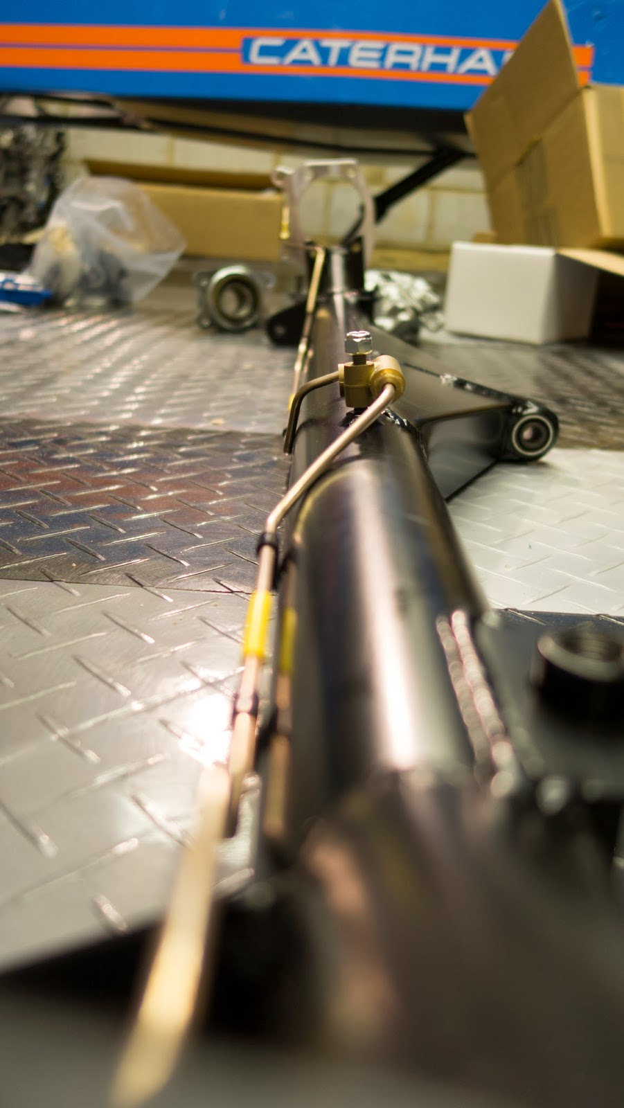 Brake lines riveted to the De Dion