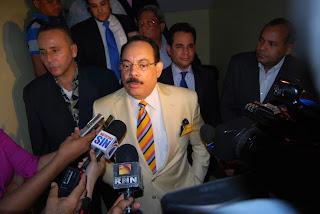 Allanan oficinas periodista Guillermo Gómez; lo califica atentado libertad de prensa